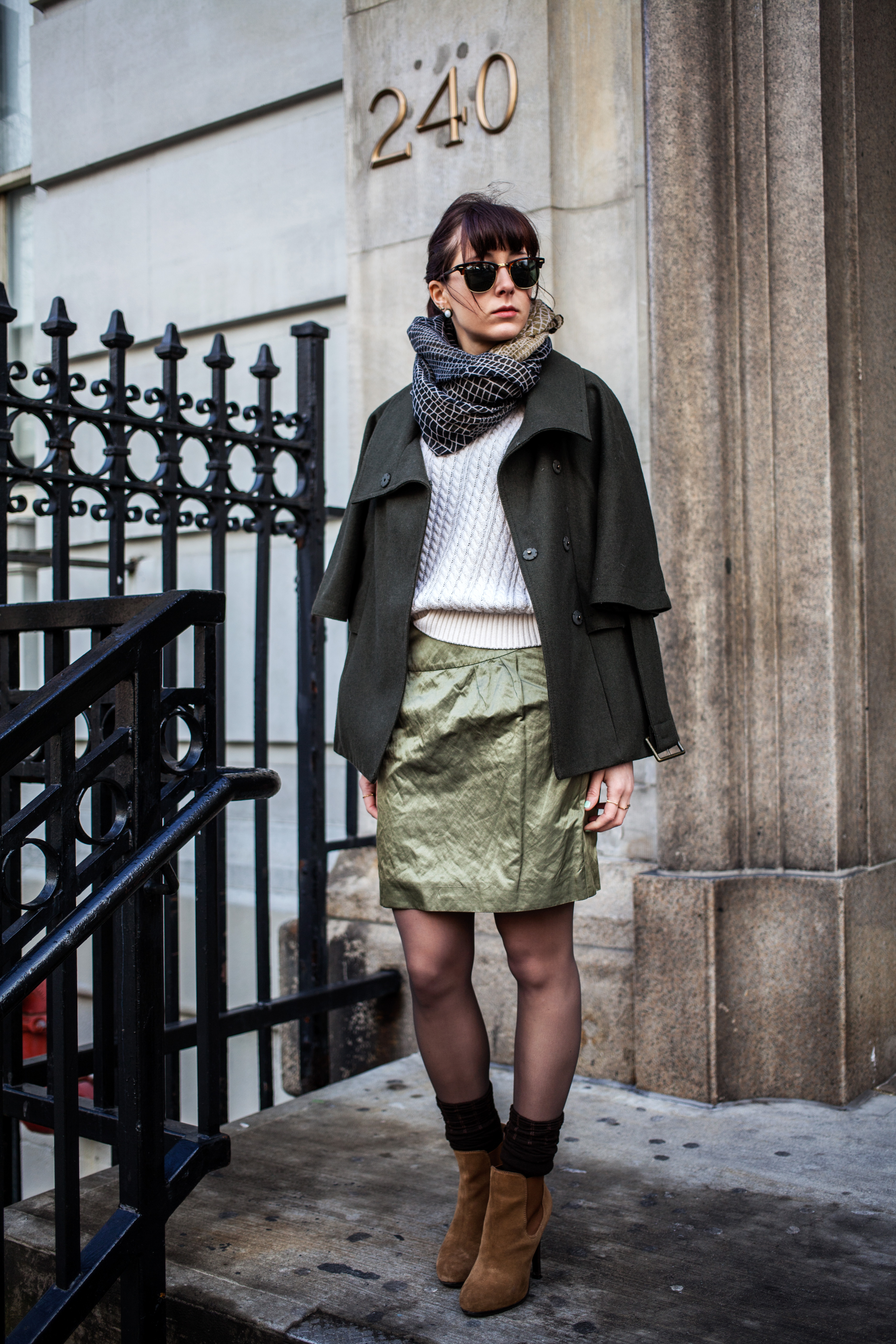 Michael Kors skirt, Ray Ban clubmaster, Jessica Simpson ankle boots