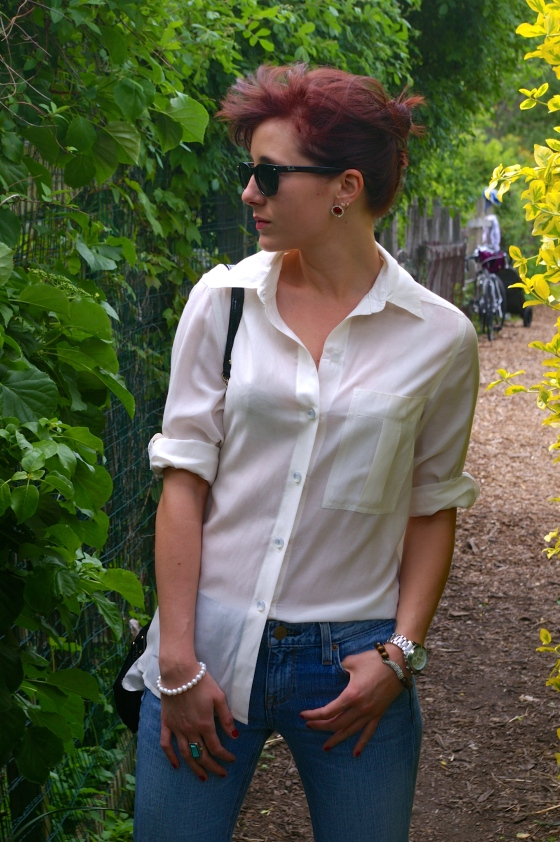 Ray Ban sunglasses, Marc by Marc Jacobs blouse, Classic chic outfit